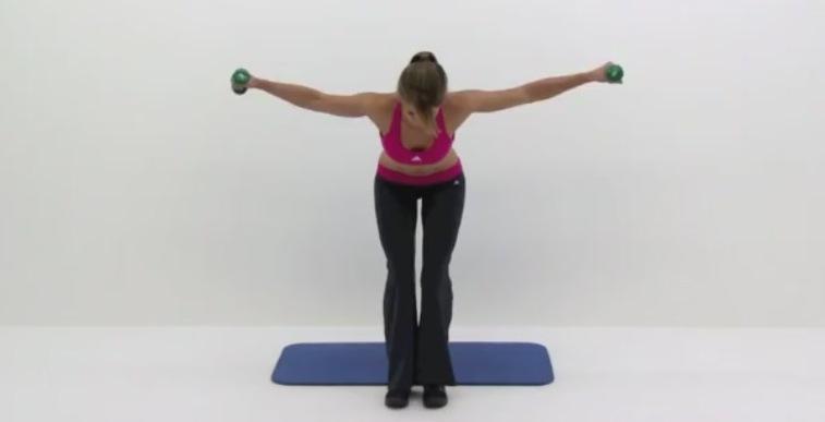 Упражнения с гантелями грудь 11