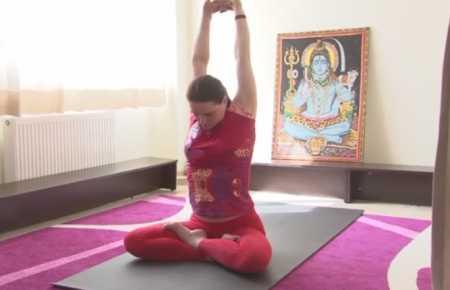 Йога для развития мышц шеи
