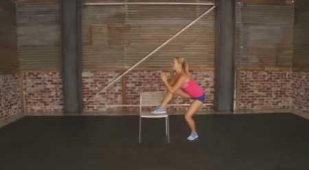 Тренировка бедер и ягодиц со стулом / Hot Legs & Booty Chair Workout